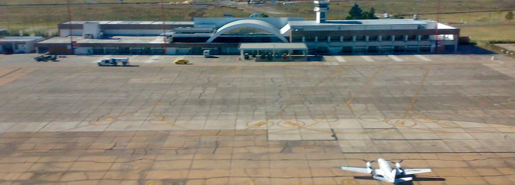 Aeropuerto Internacional Rosario. Base de la escuela Flying Time. Este aeropuerto posee la tecnología necesaria para un aprendizaje profesional