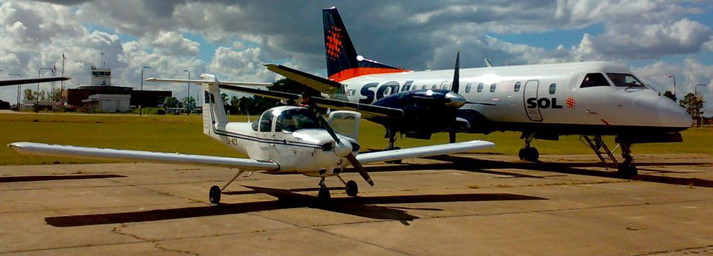 PA 38 TOMAHAWK. La escuela cuenta con una flota de ocho aeronaves PA 38