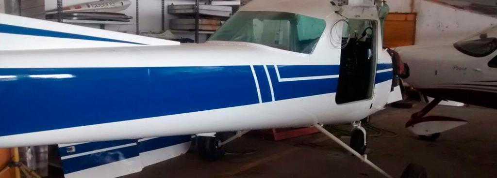 Tenemos nuestro propio taller de mantenimiento, lo cual garantiza el buen estado de operatividad de las aeronaves